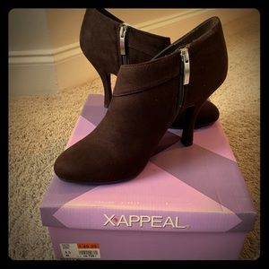 XAPPEAL Cassidy Brown Heel Booties 9.5 M